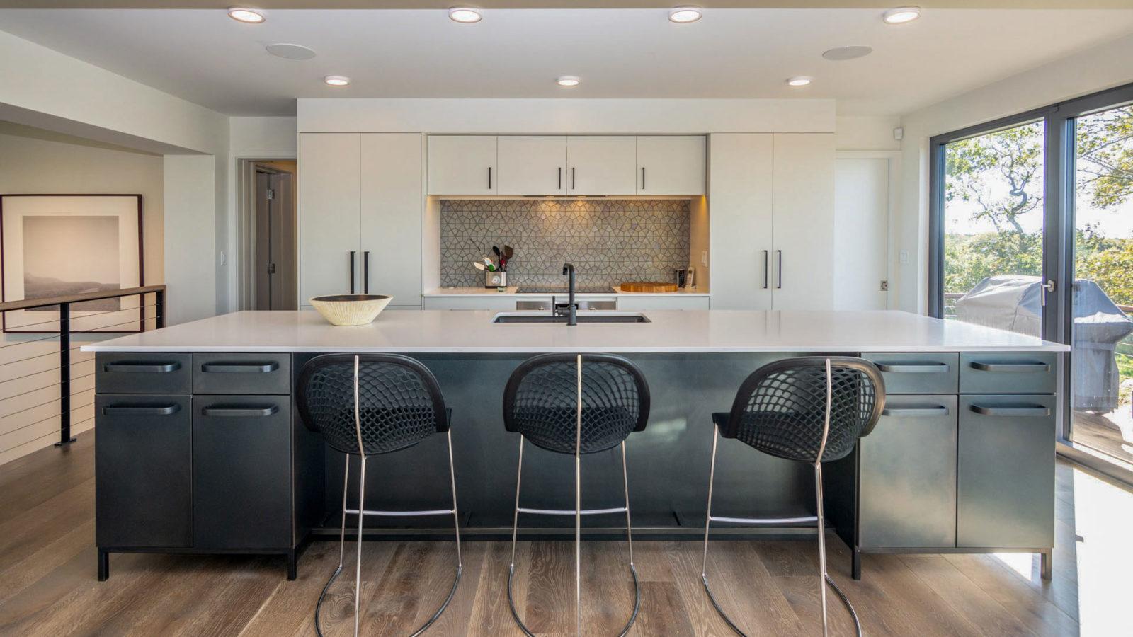 Menemsha Views - kitchen